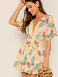 To find out about the Plunge Neck Tied Open Back Tropical Dress at SHEIN, part of our latest Dresses ready to shop online today! Dresses For Sale, Cute Dresses, Short Sleeve Dresses, Summer Dresses, Flowy Dresses, Belted Dress, The Dress, Smock Dress, Dress Red