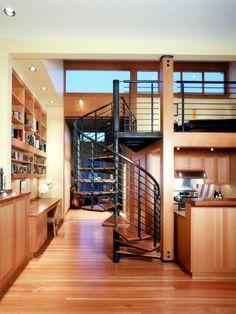 Loft com piso em madeira