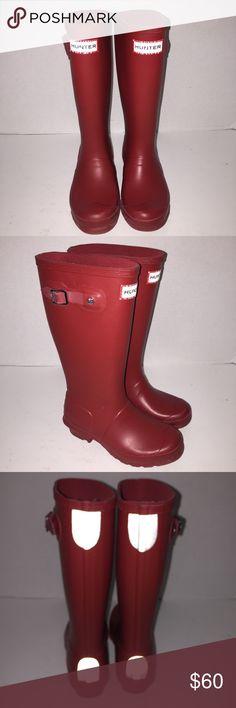 Hunter KIDS Matte Red Rainboots Boys 1 Girls 2 Worn gently red matter Rainboots size Boys 1 or Girls 2 Hunter Boots Shoes Rain & Snow Boots