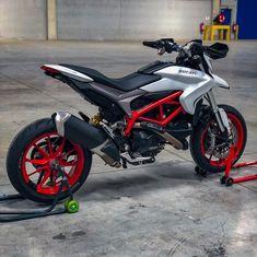 Moto Ducati, Ducati Motorcycles, Custom Motorcycles, Custom Bikes, Motorcross Bike, Motorcycle Bike, Motorcycle Quotes, Mt 07 Yamaha, Motard Bikes