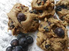 La Làlà (galette beurre d'arahide et bleuets ) by Madame Labriski, New Cooking, Biscuits, Brunch, Deserts, Food And Drink, Vegetarian, Sweets, Snacks, Baking