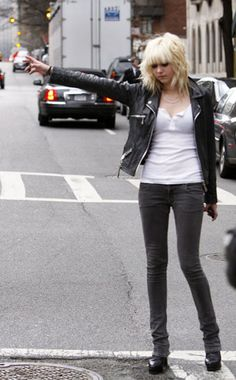Taylor Momsen in Siwy Jeans - Denimology