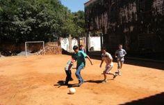 Paraguayan Kids playing futbol