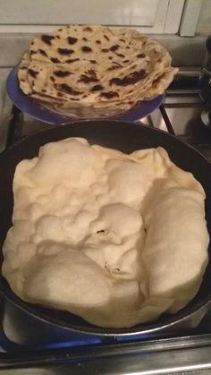 La piadina, quella con le bolle grandi grandi, con la ricetta (easy)n di una romagnola doc