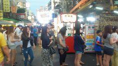The dinner line.  #everydaytaiwan #Taipei #nightmarket