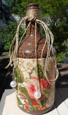 Decorated bottle with decoupage by Carlos Rossi #decoratedwinebottles