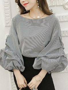 Best 12 Round Neck Patchwork See Through Plain Puff Sleeve Blouses Round Neck Patchwork See Through Plain Puff Sleeve Blouses Round Neck Patchwork – SkillOfKing. Stylish Dresses For Girls, Casual Dresses, Blouse Styles, Blouse Designs, Hijab Fashion, Fashion Dresses, Mode Kpop, Sleeves Designs For Dresses, Blouse Outfit