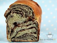 Cozonac cu ciocolata My Favorite Food, Favorite Recipes, Good Food, Yummy Food, Romanian Food, How To Eat Better, Sweet Pastries, Loaf Cake, Easy Food To Make