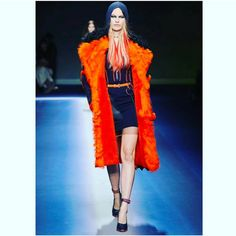 VERSACE FALL READY TO WEAR 2017 COLLECTION. | FitnessandFashionandHealth