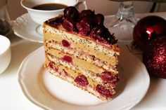 Bezglutenowy tort makowy z wiśniami i kawowym kremem z nerkowców Pina Colada, French Toast, Cheesecake, Breakfast, Food, Recipes, Morning Coffee, Cheesecakes, Essen