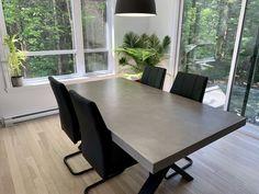 TABLE QUEENSTON - BÉTON - GALET - 72'' X 40'' X 2.5'' ÉPAIS #lusine #table #queenston #beton #galet #pattex #acier