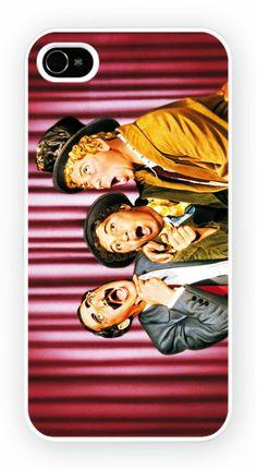 A Night at the Opera Cas de telephone portable pour l'iPhone 4, 4S, 4, 5S, 5C et Samsung Galaxy S4 Retour couverture rigide - pas de telephone inclus Moule en polycarbonate dur couverture arriere avec l'image imprimee comme le montreCouleur impression directe est fondu et resistant aux rayures et offre une protection aux chocs et impactsSimple et facile snap sur l'installation d'un acces complet a la camera et portsGratuit Livraison dans le monde http://niftycases.fr/a-night-at-the-opera