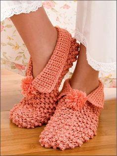 Picture of Hooked on Crochet! Slippers ༺✿ƬⱤღ http://www.pinterest.com/teretegui/✿༻