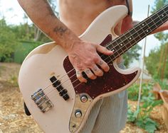 Have you tried the new Flea signature shell pink replica Jazz Bass?