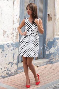 """Los lunares serán protagonistas esta primavera/verano. Con nuestro #vestido """"Cibeles"""" con lazo,  tendrás un look """"Lady"""" de lo más encantador.  ➡Tallas S, M, L y XL  ➡44,99€ #vitsteconamelia #modamujer #modaprimavera"""