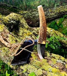 One of the first knives I made. Roselli blade with red deer antler.