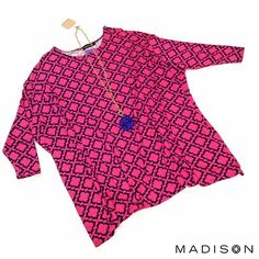 Don't sacrifice cute style for comfort! Shop this oversized top at MADISON | Cameron Village this weekend. #fuchsia #navy