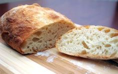 Italský chléb, neboli ciabatta.