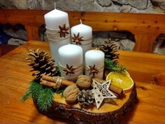 100 DIY Christmas Centerpieces for Tables and decoration ideas - Ethinify - Christmas decorations 2019 Woodland Christmas, Rustic Christmas, Christmas Home, Christmas Wreaths, Christmas Ornaments, Christmas Greenery, Christmas Candle Decorations, Christmas Candle Holders, Christmas Candles