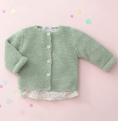 Knitting For Kids, Baby Knitting Patterns, Brei Baby, Baby Vest, Short Hair Cuts For Women, Baby Kind, Newborn Outfits, Knitted Dolls, Knit Cardigan