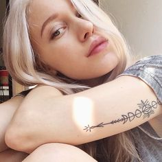 Love her tattoos and love her! #Dara