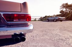 Mercedes-Benz R 107 & W 113 | Nostalgic Classic Car Travel