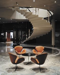 Explore Pamono Design Stories! Arne Jacobsen's Jet-Age SAS Royal Hotel Design Hotel, House Design, Scandinavian Architecture, Scandinavian Design, Swan Chair, 1950s Design, Danish Design, Chaise, Royal Copenhagen