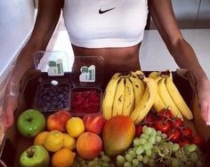 11 sports outfits and fitness foods to motivate you to lose weight - Perte de Poids Healthy Fruits, Healthy Foods To Eat, How To Stay Healthy, Healthy Dinner Recipes, Healthy Snacks, Fast Foods, Protein Foods, Fitness Motivation Tumblr, Sport Motivation