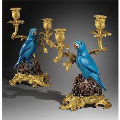Paire de candélabres aux perroquets en porcelaine émaillée bleu turquoise, Chine XVIIIe siècle, à monture de bronze doré de style Louis XV, XIXe siècle   Sotheby's