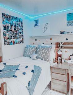 Bedroom Decor For Teen Girls, Teen Room Decor, Room Ideas Bedroom, Bedroom Inspo, Blue Teen Rooms, Teen Bedroom Furniture, Blue Bedrooms, Dorm Room Designs, Bedroom Designs