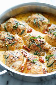 Куриные бедрышки с вялеными томатами и сливочным соусом - InVkus