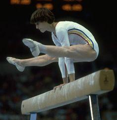 Nadia Comaneci, il primo 10 perfetto della storia della ginnastica 18 luglio 1976  http://losportsecondogrimaus.blogspot.it/2014/03/leggende-dello-sport-nadia-comaneci.html