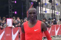 Eliud Kipchoge! È lui il maratoneta più veloce al mondo