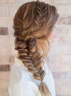 40 Gorgeous Side Swept Wedding Hairstyles Side hairstyles look stunning and are comfy in wearing, we've already shared some side updos. Today I'd like to continue the theme with some other beautiful . Fishtail Braid Wedding, Fishtail Braid Hairstyles, Side Swept Hairstyles, Hairstyle Look, Pretty Hairstyles, Easy Hairstyles, Wedding Braids, Prom Hairstyles, Prom Braid