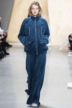 #Lacoste  #fashion   #Koshchenets      Lacoste Fall 2016 Ready-to-Wear Collection Photos - Vogue