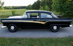 1957 Ford Custom 300 2-Door Sedan by Hartog