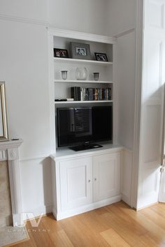 23 Alcove Shelving Ideas for your Living room | JV Carpentry Alcove Storage, Alcove Shelving, Shelving Design, Shelving Units, Shelving Ideas, Fitted Bedroom Furniture, Built In Furniture, Trendy Furniture, Kitchen Furniture