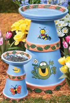 Clay Pot Birdbath Not crazy about the painting but like the idea of putting pots together.