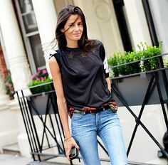 Barbara Martelo // sporty black top & jeans #style #fashion #streetstyle