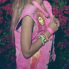 the best of the 90s… in vest form. Not that I really like pink, but denim vests are cute. c: