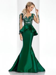 Clarisse 2017 Long Sleeve Couture Dress Steal the spotlight in this jaw dropping couture dress with long sleeves, floral appliqué, a peplum and a mermaid skirt with a train. Buy yours from a Clarisse retailer! Peplum Prom Dresses, Tight Prom Dresses, Girls Formal Dresses, Prom Dresses 2017, Pageant Dresses, Mermaid Dresses, Ball Dresses, Bridesmaid Dresses, Mermaid Skirt