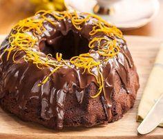 Αφράτο κέικ πορτοκάλι με γλάσο σοκολάτας