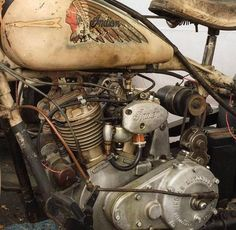 Old Classic Harley-Davidson Motorcycles Indian Motorbike, Vintage Indian Motorcycles, Antique Motorcycles, Vintage Bikes, Indian Bobber, Triumph Motorcycles, Old School Motorcycles, Motorcycle Engine, Bobber Motorcycle