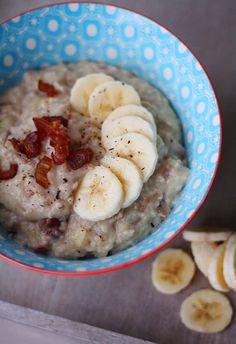 Taateli-banaanipuuro | Maku Breakfast Recipes, Breakfast Ideas, Healthy Recipes, Healthy Meals, Oatmeal, Brunch, Food And Drink, Health Fitness, Vegetarian
