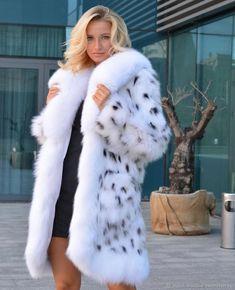 White Fur, Fox Fur, Coats For Women, Fur Coats, Furs, Pretty, Jackets, Romantic, Heart