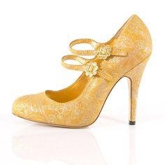 Gorgeous platform maryjane yellow wedding shoes with sweet daisies.