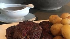 Danskt hreindýrabuff Meat, Game, Food, Recipes, Essen, Gaming, Meals, Toy, Eten