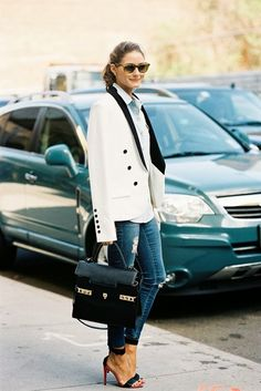 Stylish Ways To Wear a Basic Pair of Blue Jeans