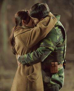 Hyun Bin - Son Ye Jin (Crash landing on you) Legend Of Blue Sea, South Korean Women, Best Kdrama, Korean Entertainment, Tv Show Quotes, Hyun Bin, Kdrama Actors, Handsome Actors, Best Couple
