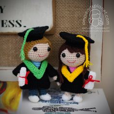 Graduation Dolls (Small) Amigurumi Pattern by saplanetamigurumi on Etsy https://www.etsy.com/listing/268242086/graduation-dolls-small-amigurumi-pattern